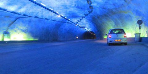 Crédito foto: http://en.wikipedia.org/wiki/File:Alfa_Romeo_147_tunnel.JPG