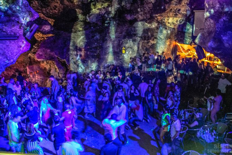 disco-ayala-cave-trinidad-cuba_016