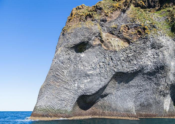 rock-formation-elephant-heimaey-iceland-002