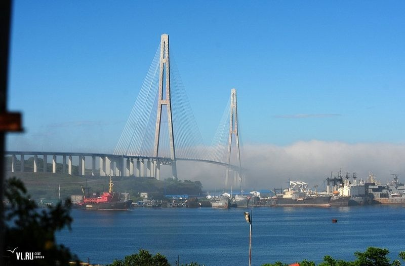 russky-bridge-012