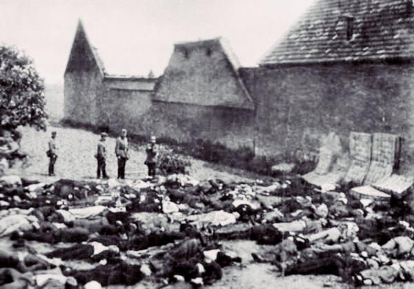 Corpos de homens fuzilados em Lídice