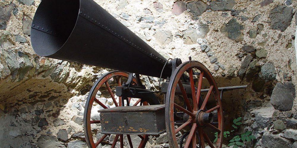 Hail Cannon, guerra contra o clima