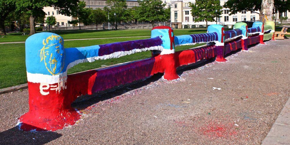 The Fence, o objeto mais pintado do mundo