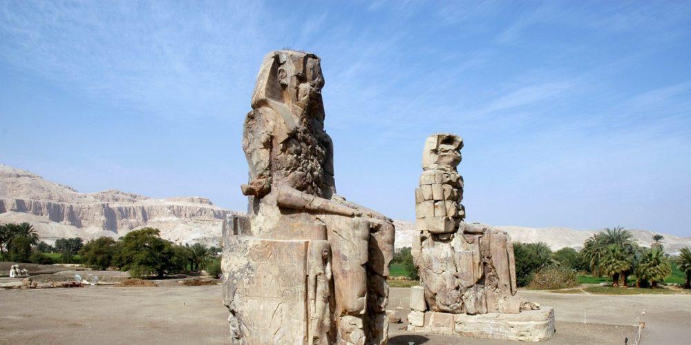 Colossos de Memnon, as estátuas que cantavam