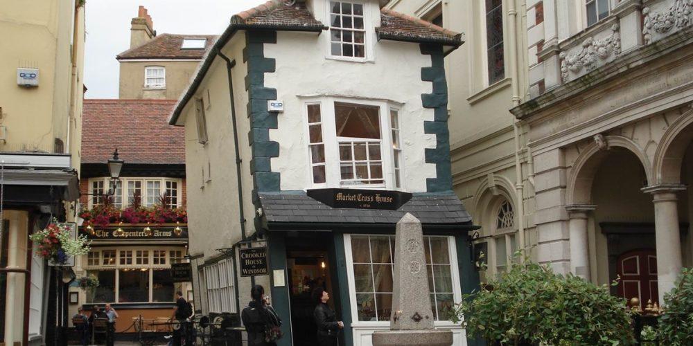 Crooked House of Windsor, a casa torta de Windsor