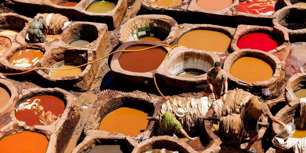 Os curtumes de couro de Fez no Marrocos