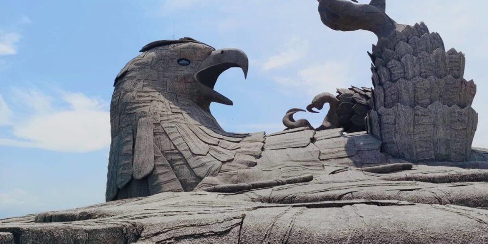 Jatayu, o pássaro caído na Índia