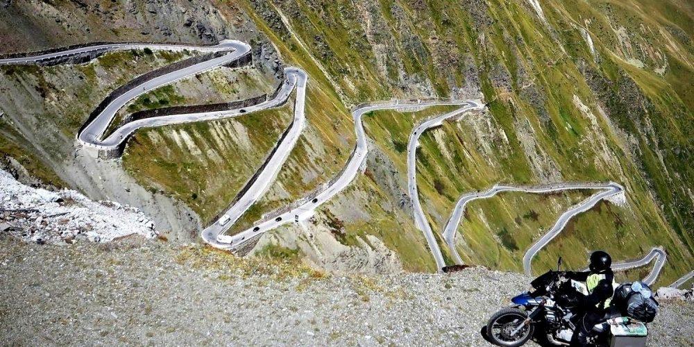 Passo do Stelvio, a estrada em zigue-zague da Itália