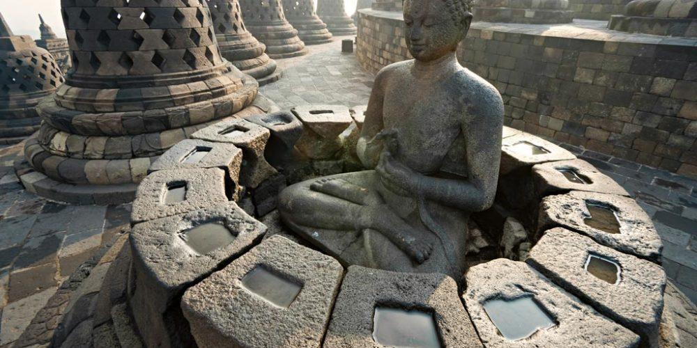 O Nirvana está em Borobudur