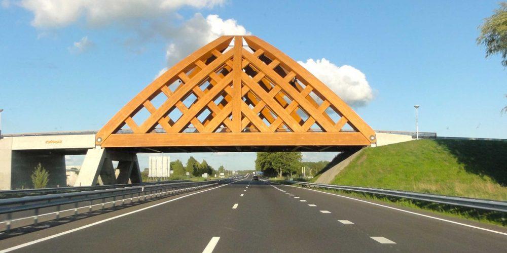Krusrak, a curiosa ponte de madeira da Holanda