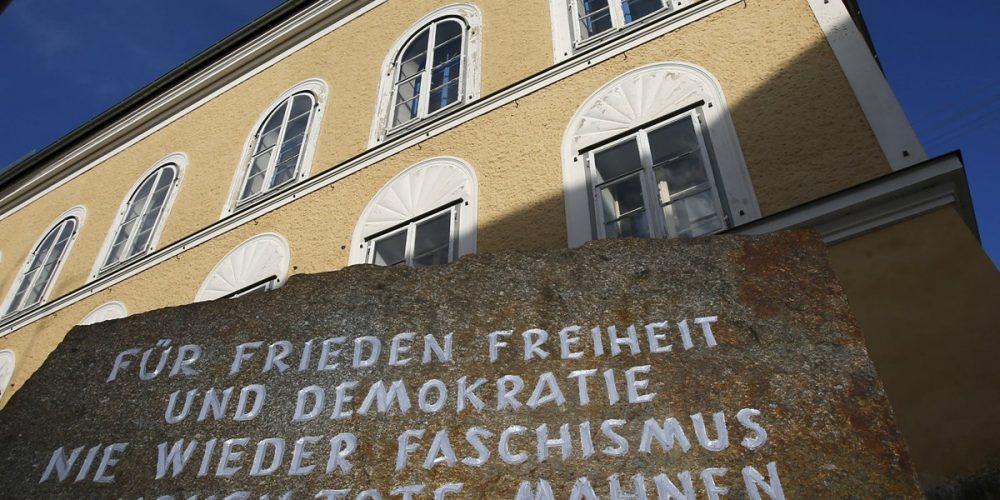 Adolf Hitler e a casa onde nasceu