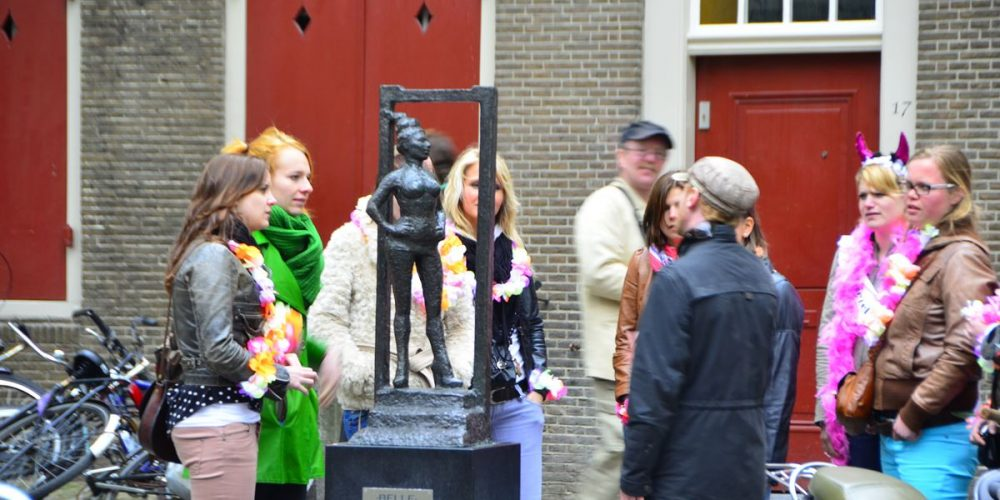 Belle, a estátua dedicada aos profissionais do sexo