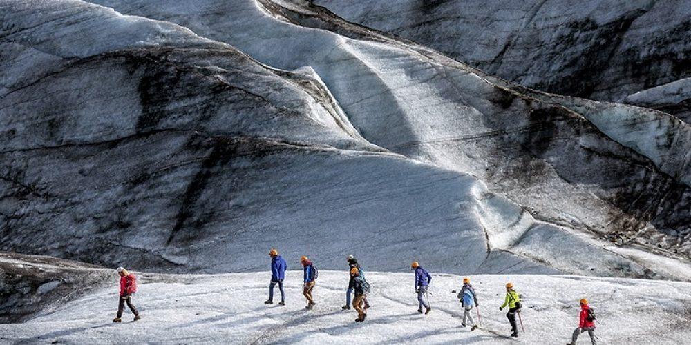 Svinafellsjokull Glacier: A real localização do planeta do Dr. Mann