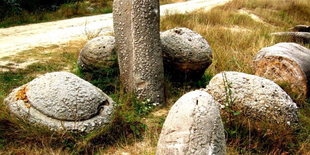 Trovants, as pedras que crescem na Romênia
