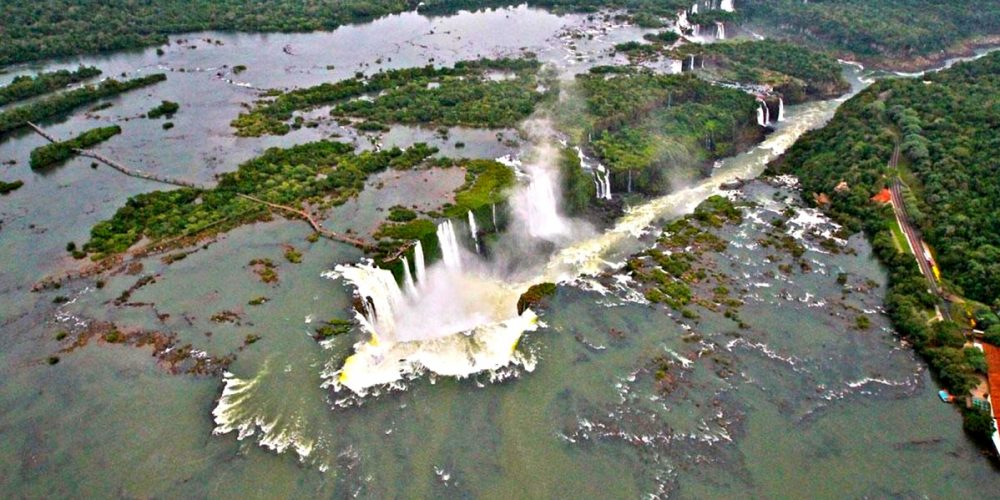 As cataratas inundadas do Guairá