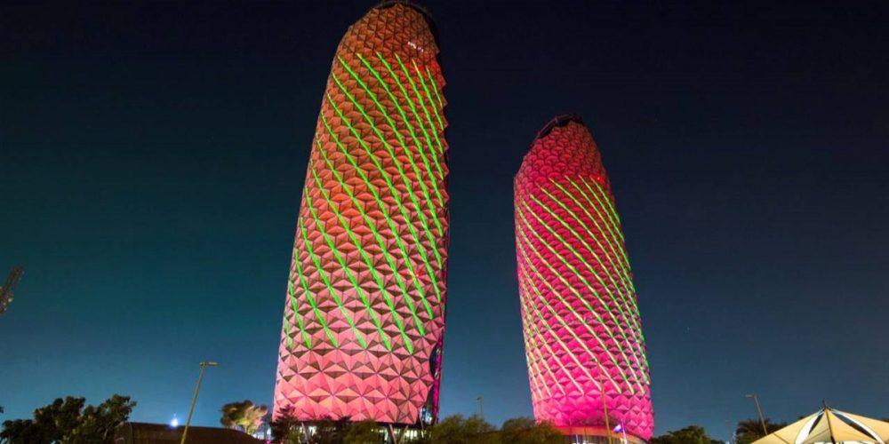 Torres Al Bahr, em Abu Dhabi sensíveis ao sol